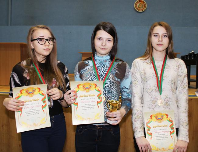 Картинки по запросу фото Вера Прокопук шахматы